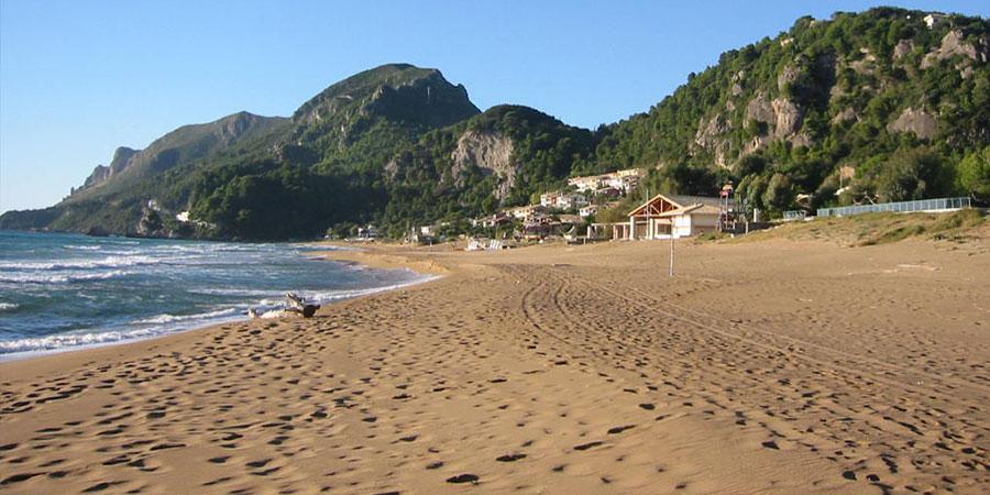 Glifada i jej pustawa plaża